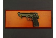 REPLIKA BERETTA 92 z 1975r NA TABLO DENIX MODEL 1254+TM+35