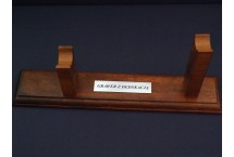 DREWNIANY STOJAK Z TABLICZKĄ DENIX MODEL 808+TGM